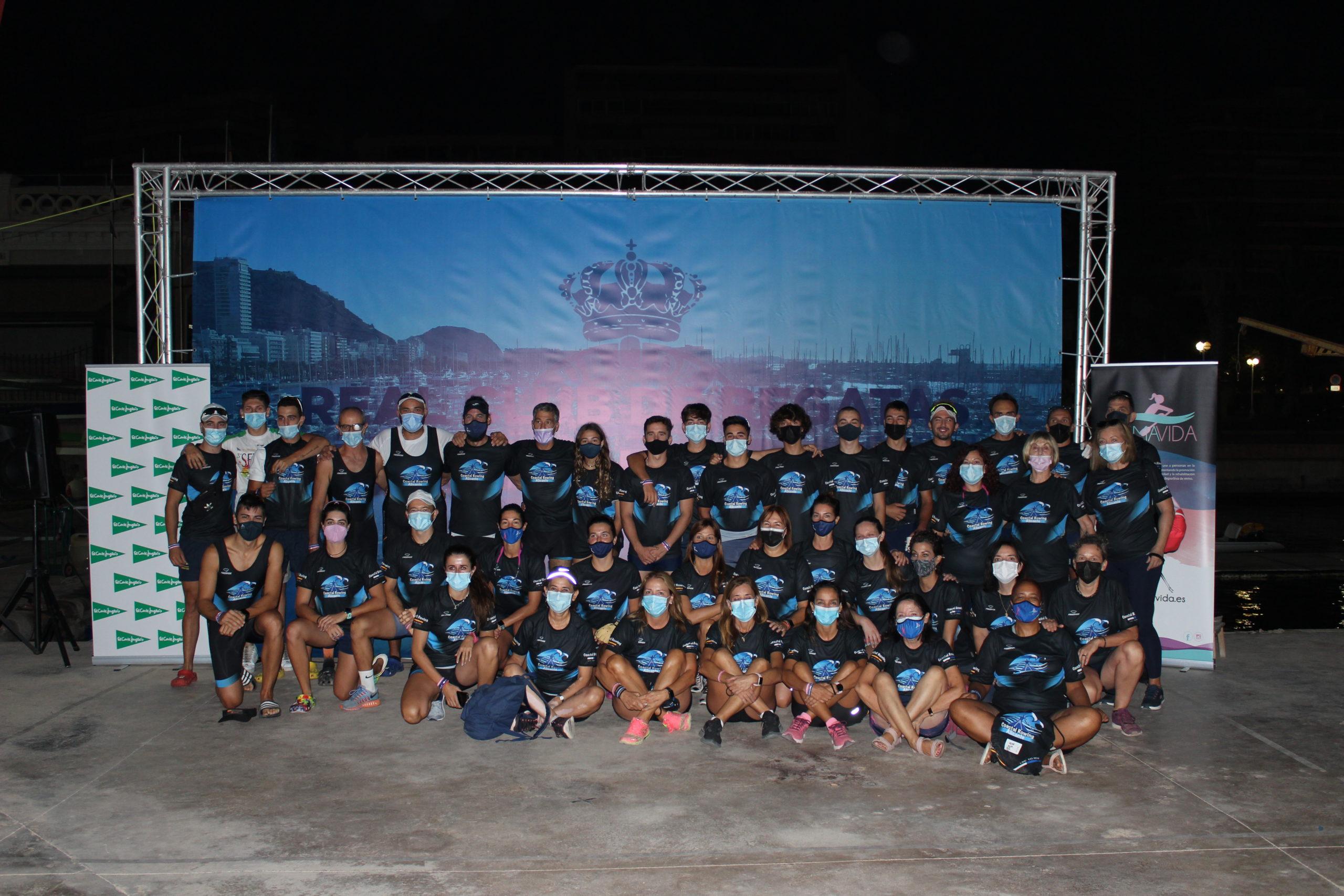 Todos los deportistas participantes antes de partir a Tabarca   RCRA