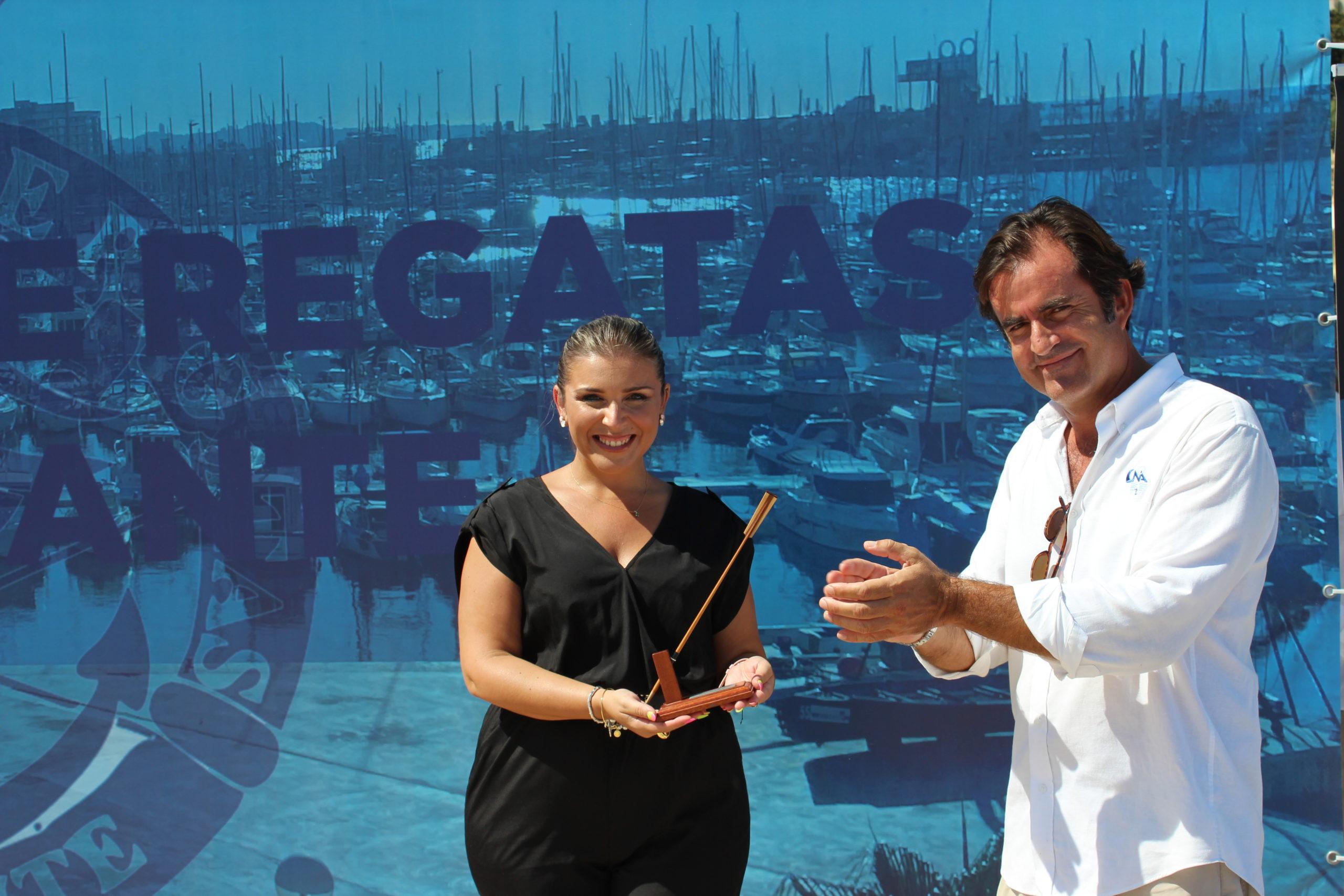 Entrega de reconocimiento al Ayuntamiento de Alicante   RCRA