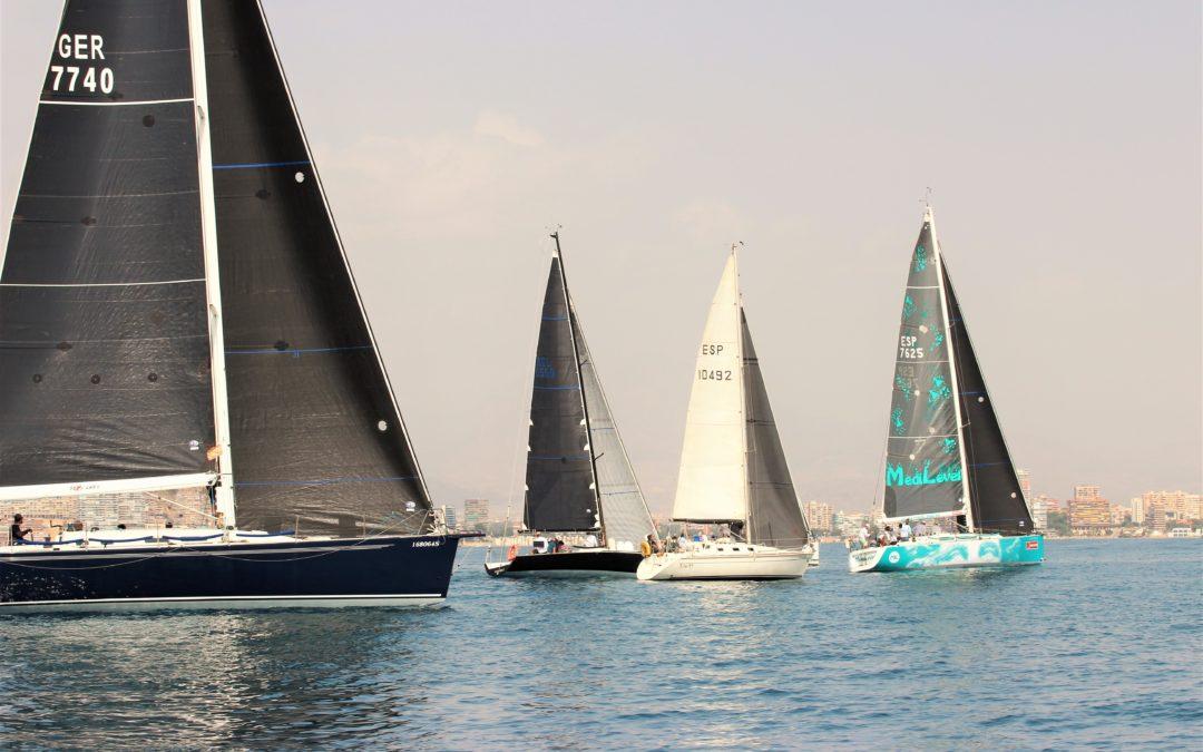 El viento en calma protagonista de la primera jornada de la III Alicante Royal Cup