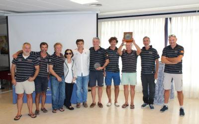 La tripulación del Tanit IV – Medilevel, alza el compás del I Trofeo Máximo Caturla